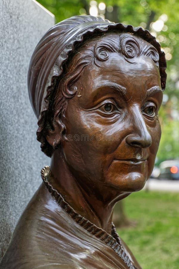 Fermez-vous d'une statue en bronze d'Abigail Adams image libre de droits