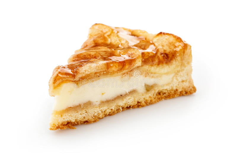 Fermez-vous d'une tranche simple de tarte aux pommes d'isolement sur le blanc photographie stock