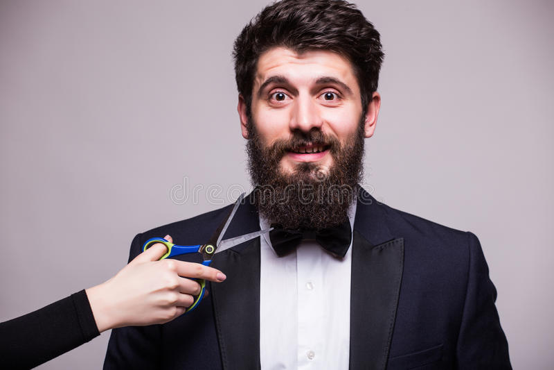 Fermez-vous de la barbe coupée images stock