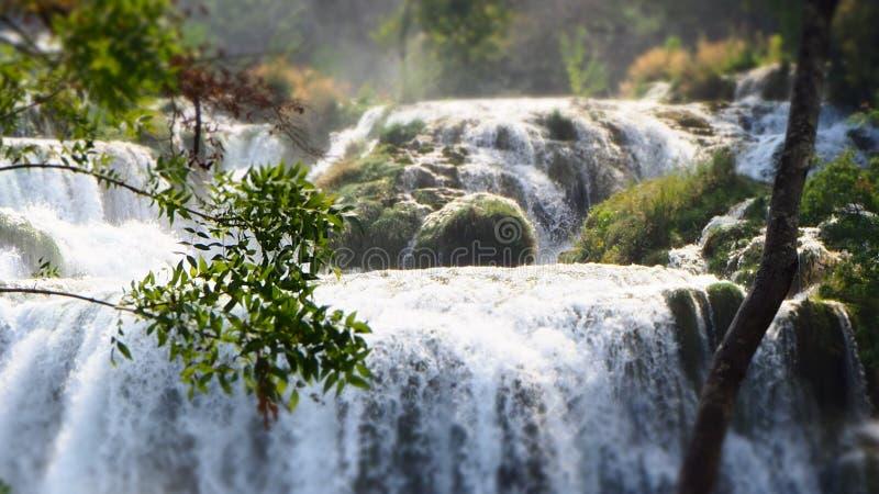 Fermez-vous de la cascade de Skradinski Buk chez Krka Nationalpark, Croatie photo stock