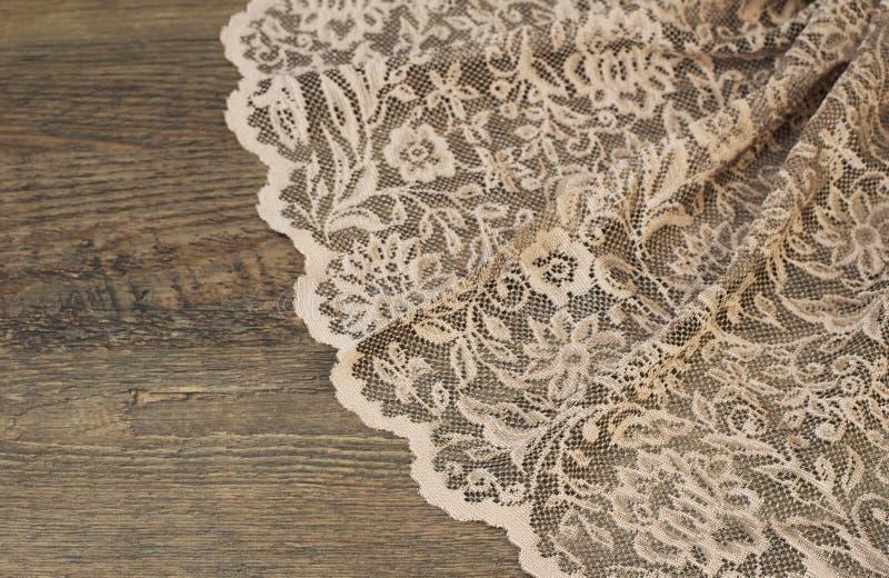 Fermez-vous du beau rose Tulle de vintage Échantillon pur de tissu de rideaux Texture, fond, modèle Proue d'étoile bleue avec la  photos libres de droits