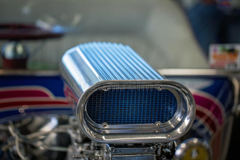 Fermez-vous du carburateur de la voiture classique photos libres de droits