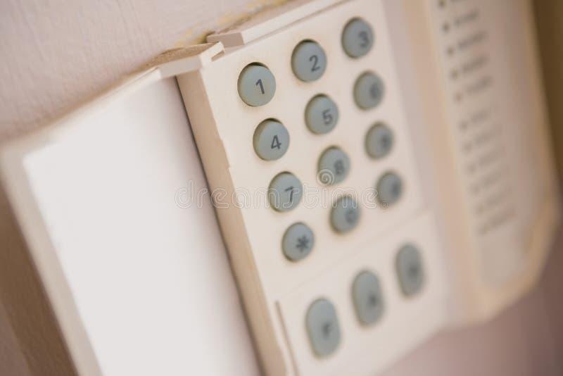 Fermez-vous du clavier numérique de sécurité à la maison photographie stock