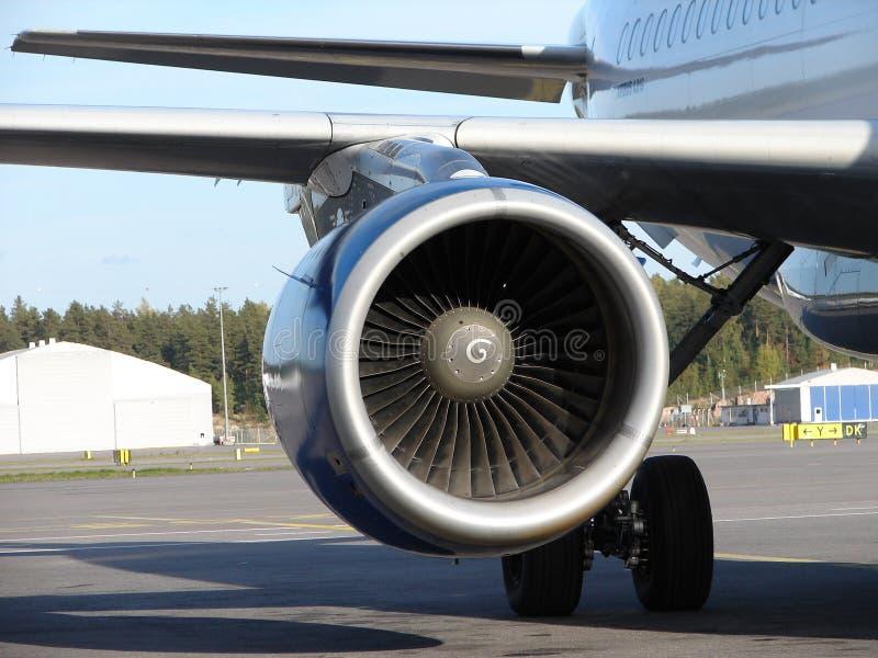 Fermez-vous du moteur de l'avion photos stock