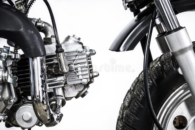 Fermez-vous du moteur sur la moto de vintage Motoc fait sur commande de brouilleur images stock