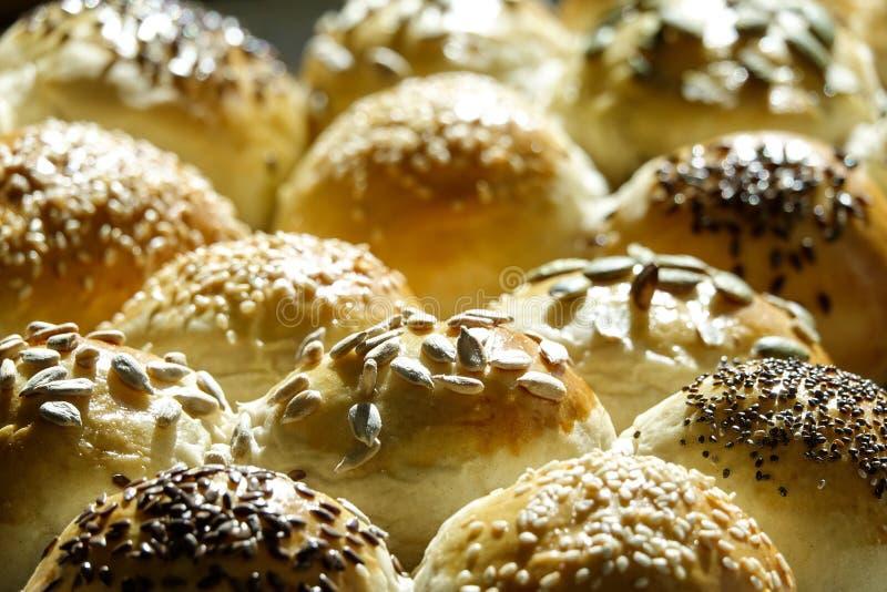 Fermez-vous du pain cuit au four à la maison photographie stock