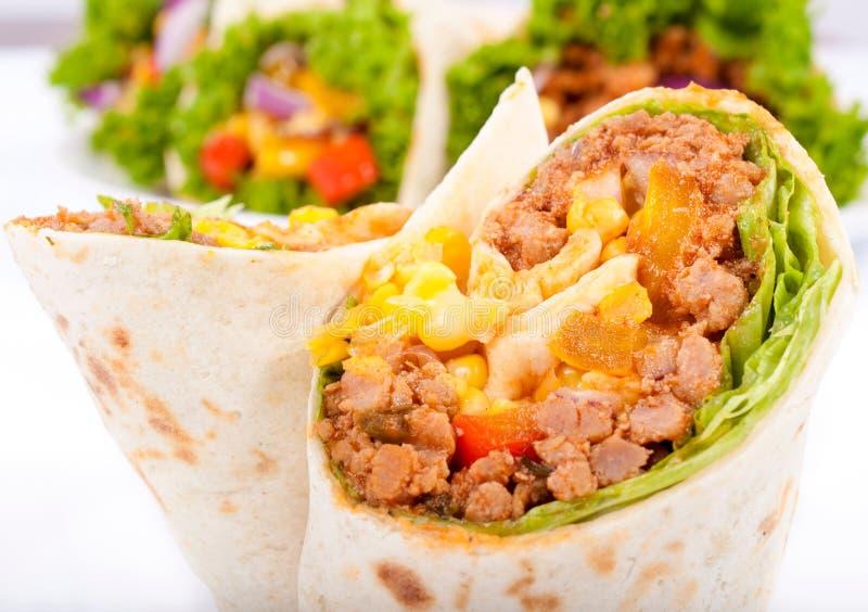 Fermez-vous jusqu'au burrito photo libre de droits