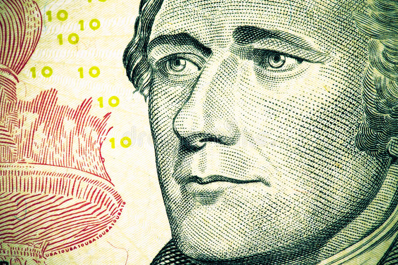 Fermez-vous jusqu'au portrait d'Alexander Hamilton sur le billet de dix dollars son photos stock