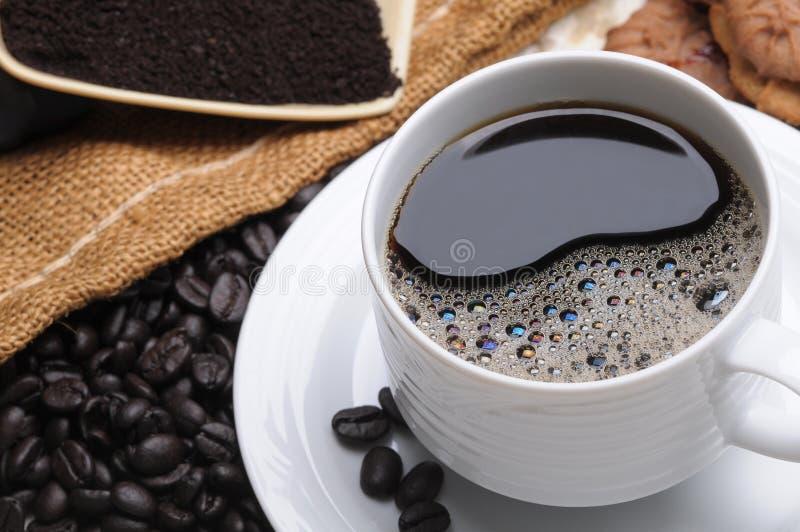 Fermez-vous vers le haut d'une cuvette de café délicieuse photos libres de droits