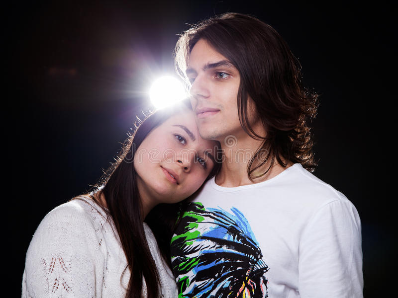 Fermez-vous vers le haut de jeunes couples photos stock