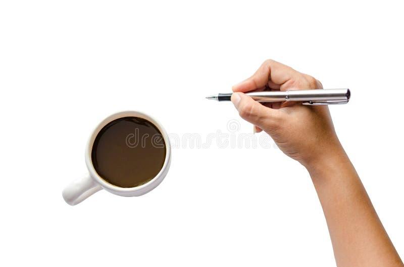 Fermez-vous vers le haut de l'écriture de bras de femmes avec le stylo métallique D'isolement sur la main blanche de fond tenant  photo libre de droits