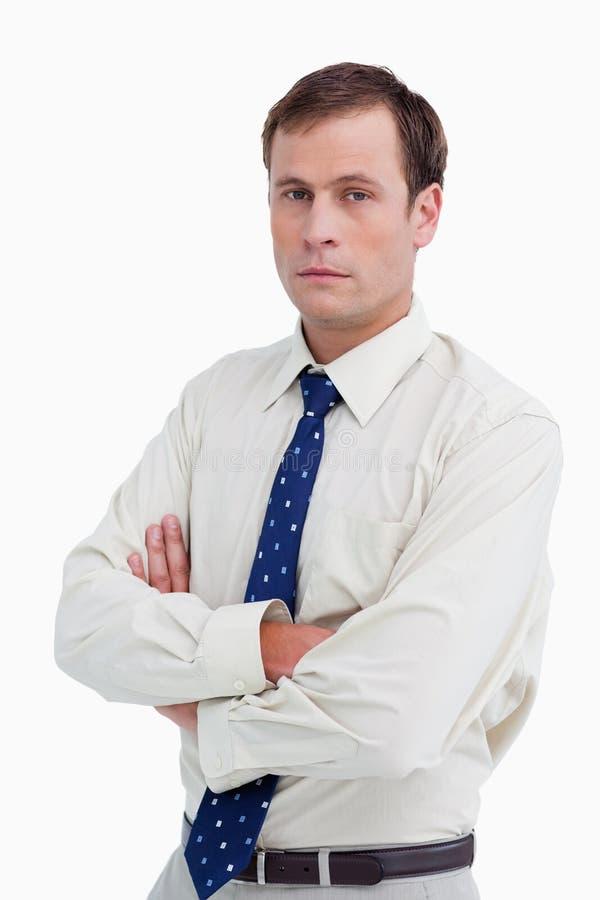 Fermez-vous vers le haut de l'homme d'affaires avec ses bras pliés photo libre de droits