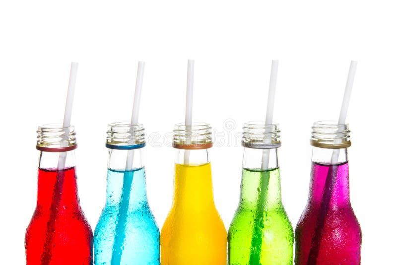 Fermez-vous vers le haut de la boisson colorée fraîche images libres de droits