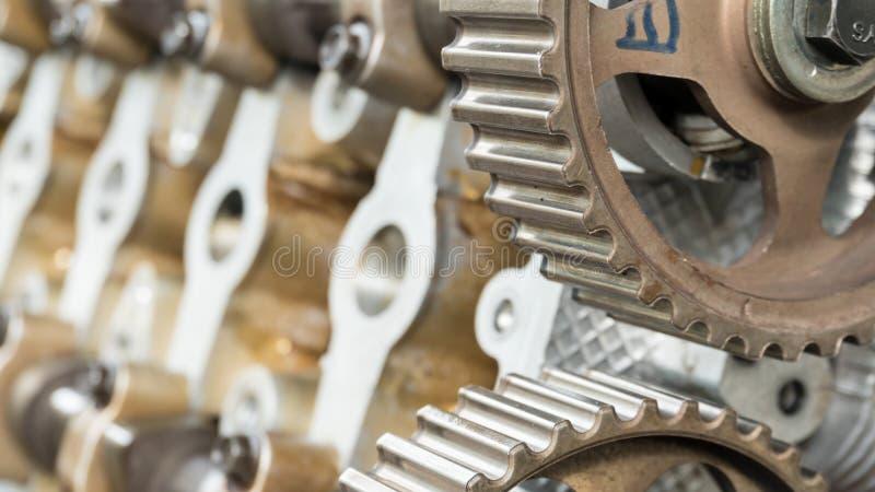 Fermez-vous vers le haut de la roue de vitesse tournent le concept pièce de rechange de voiture de véhicule image stock