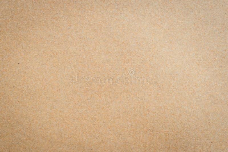 Fermez-vous vers le haut de la texture et du fond de papier brun de papier d'emballage image stock