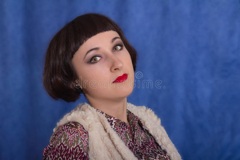 Fermez-vous vers le haut de la verticale de la jolie femme photos stock