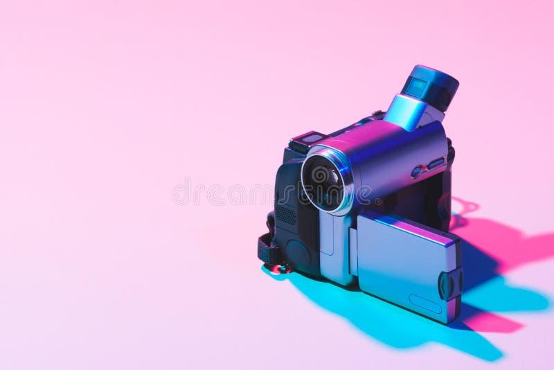 fermez-vous vers le haut de la vue de la caméra vidéo numérique image stock