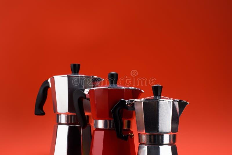 fermez-vous vers le haut de la vue de la disposition des fabricants de café photographie stock libre de droits