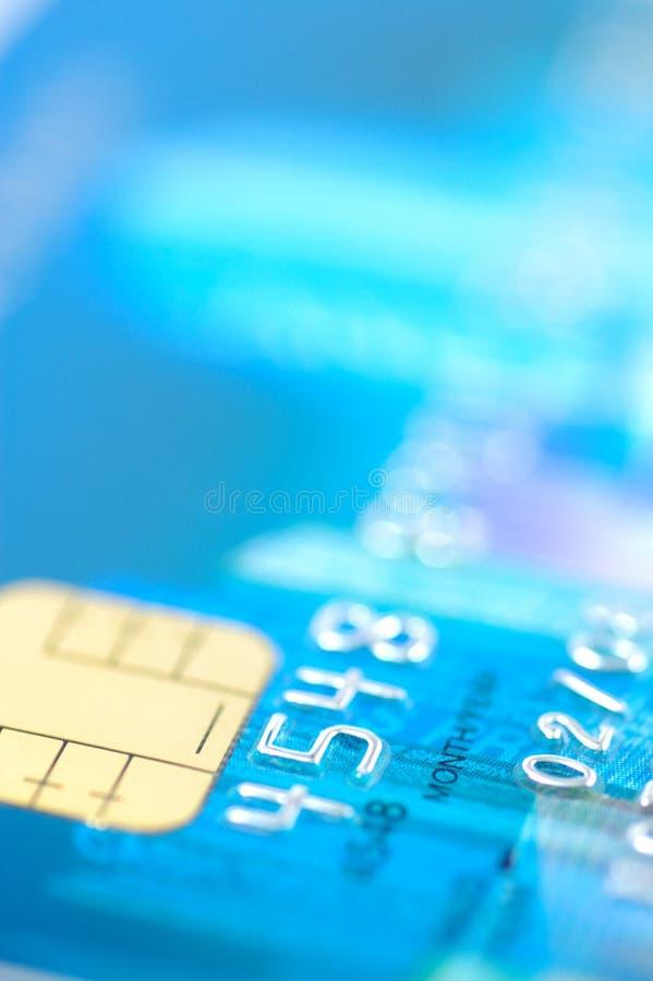Fermez-vous vers le haut de par la carte de crédit photos stock
