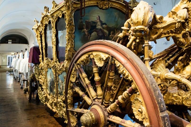 Fermez-vous vers le haut du détail de la roue spoked photo stock