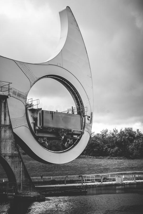 Fermez-vous vers le haut du détail du Falkirk roulent dedans noir et blanc sur un clo photos libres de droits