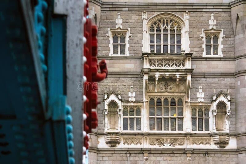 Fermez-vous vers le haut du détail du pont de tour à Londres, Angleterre image libre de droits