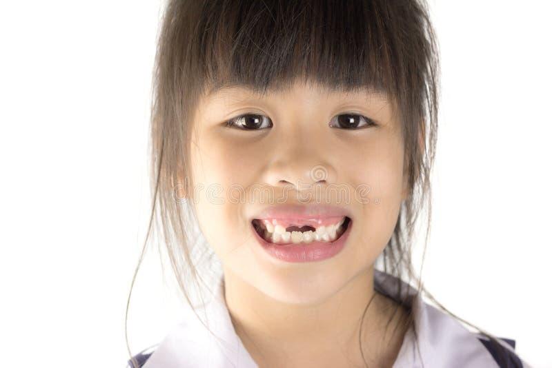 Fermez-vous vers le haut du mois de l'enfant avec les dents absentes images libres de droits