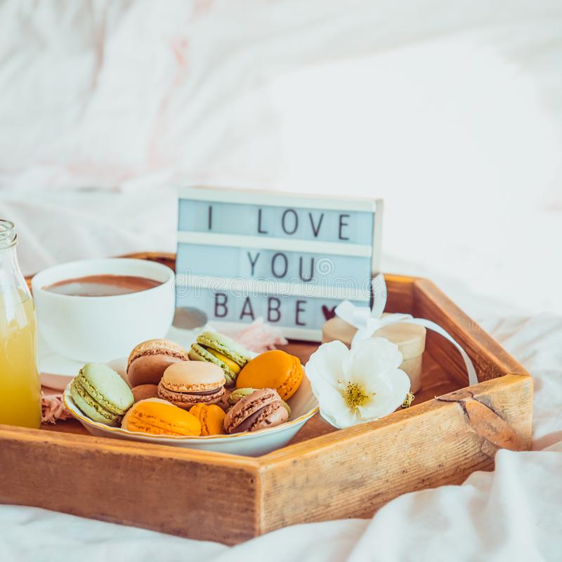 Fermez Vous Vers Le Haut Du Petit Déjeuner Romantique Dans