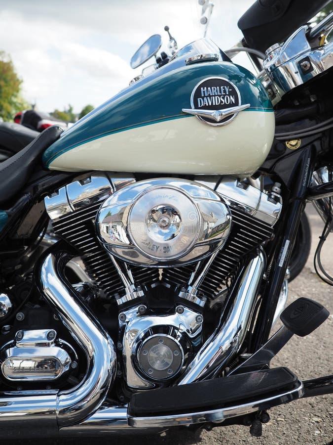 Fermez-vous vers le haut du tir d'un moteur de motocyclette de Harley Davidson photos stock