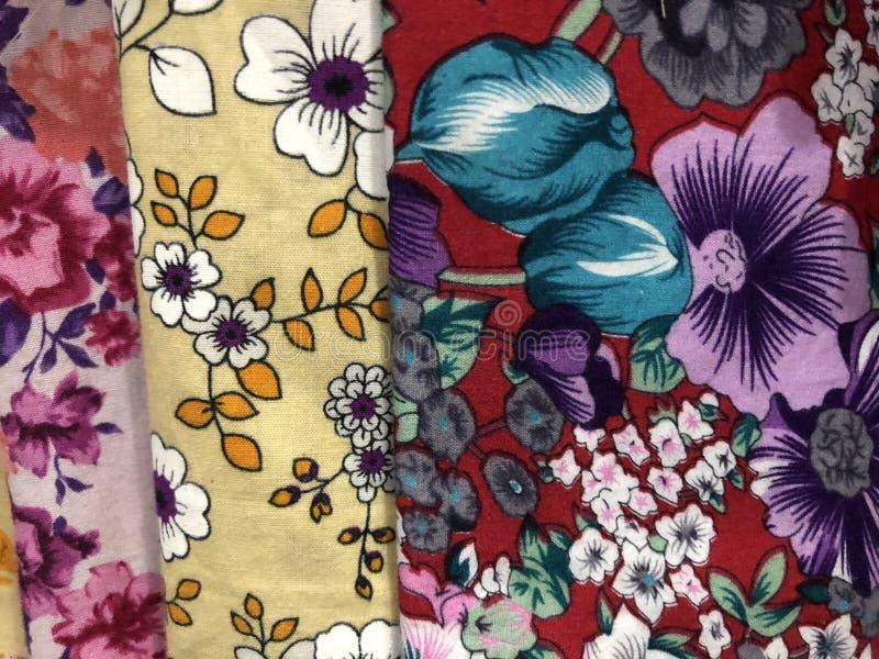 Fermez-vous vers le haut du tissu coloré et beau de batik Batik Javanese Batik indon?sien images stock