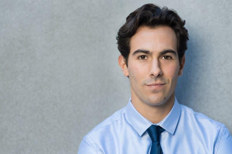 Fermez-vous vers le haut du visage d'un homme d'affaires photos libres de droits