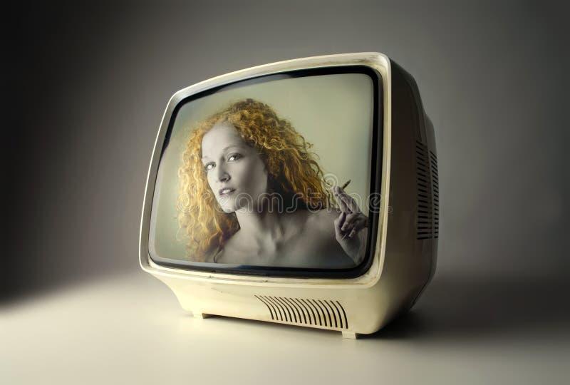 Download Fernsehapparat stockbild. Bild von rauchen, programm, blond - 9094813
