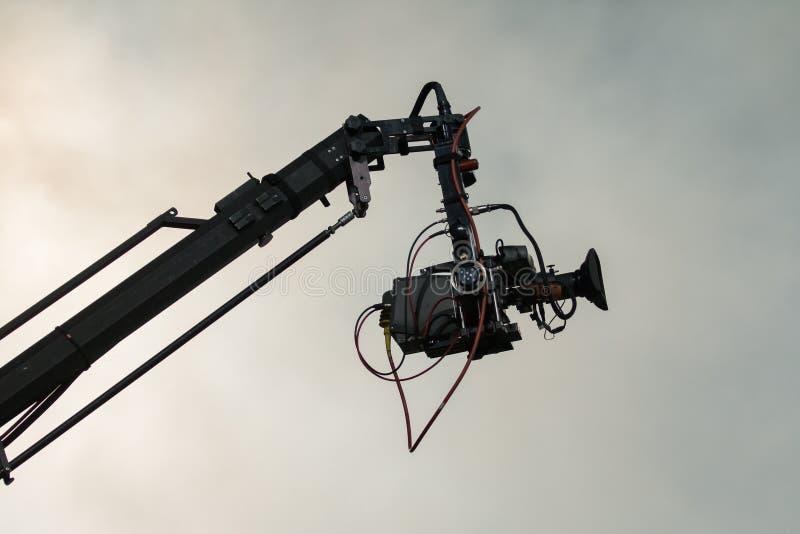 Fernsehkamera auf einem Kran stockfotografie