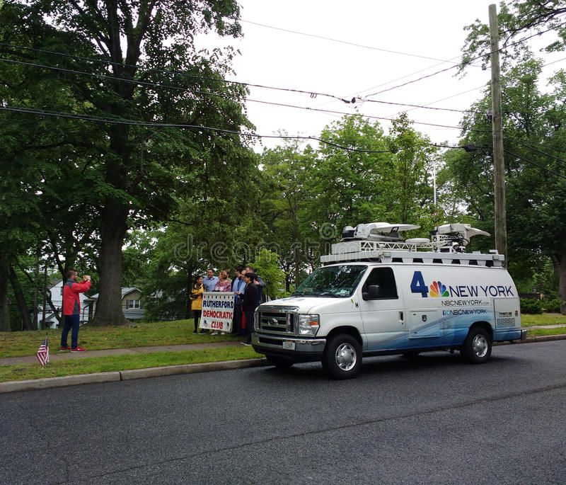Fernsehsendungs-Nachrichten Van, NBC 4 New York, Rutherford Democratic Club, New-Jersey, USA stockfotos