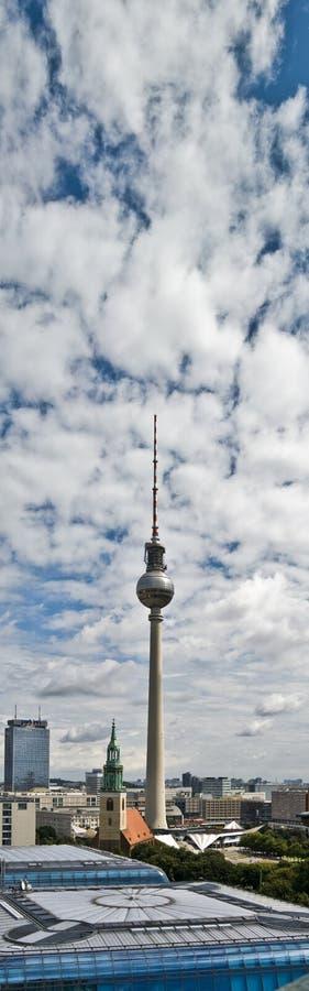 Fernsehturm стоковое изображение rf