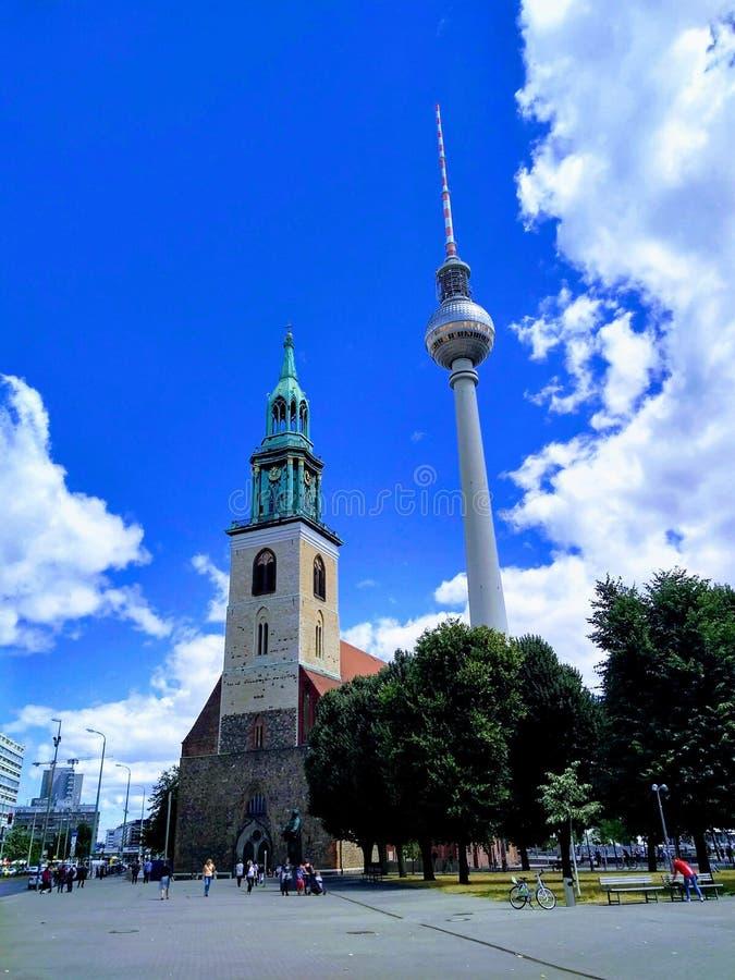 Fernsehturm berlinés imagenes de archivo