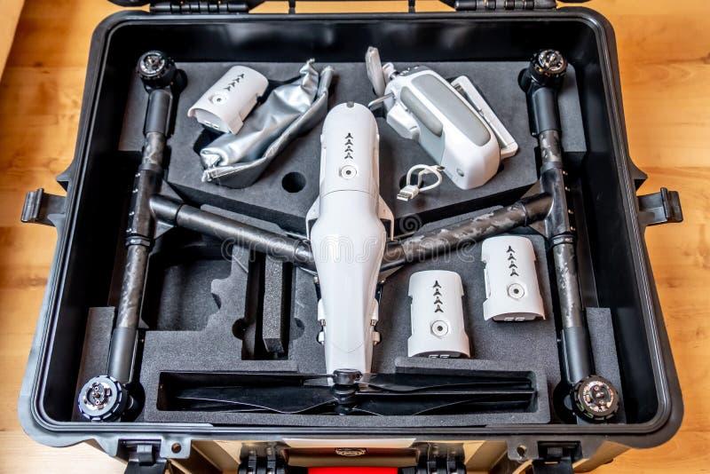 Fernsteuerungsfliegenbrummeneinheit im hardcase mit Schaumschutz lizenzfreies stockbild