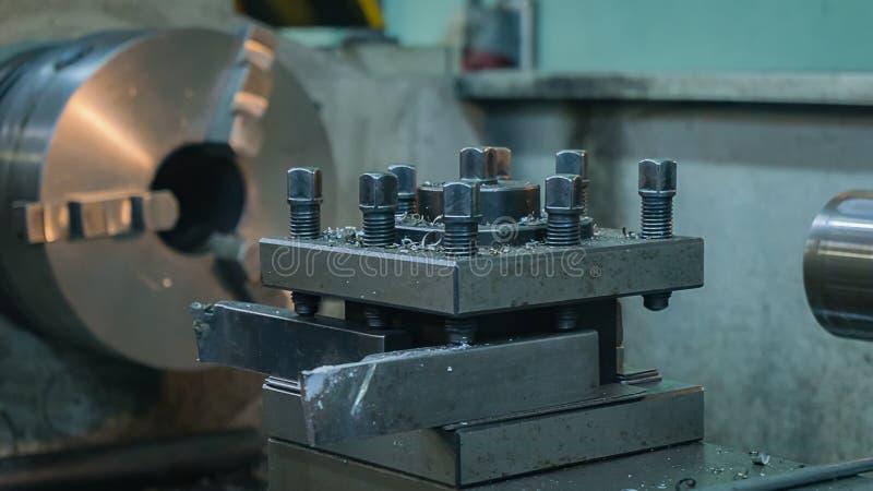 ferramenta do torno do metal cortadores do torno fragmento Close-up imagens de stock royalty free