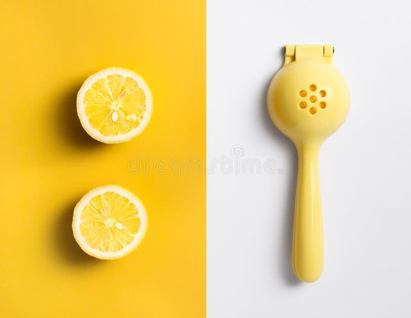 Ferramenta manual do Juicer dos citrinos da imprensa da mão do espremedor de frutas alaranjado do cal do limão do fruto fotografia de stock