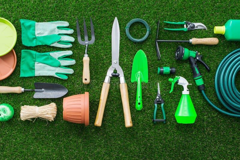 Ferramentas de jardinagem novas, bandeja do bastão fotografia de stock royalty free