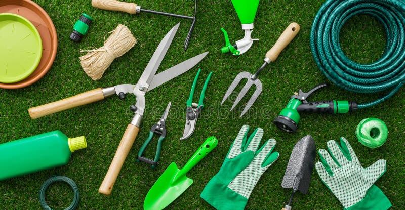 Ferramentas de jardinagem novas, bandeja do bastão foto de stock royalty free