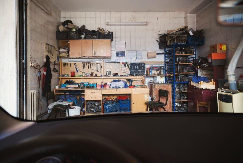 Ferramentas dos mecânicos de carro imagens de stock royalty free