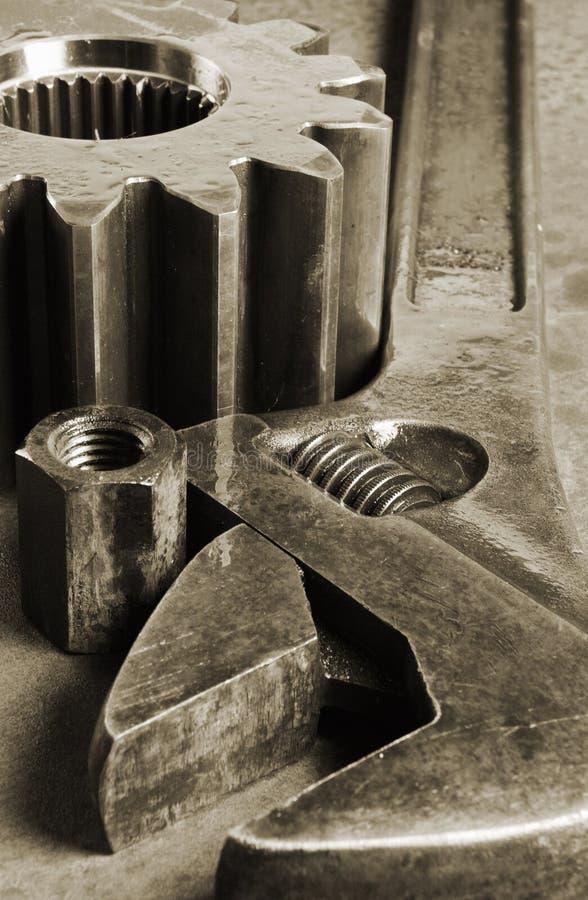 Ferramentas e mistura variada da roda denteada fotos de stock royalty free