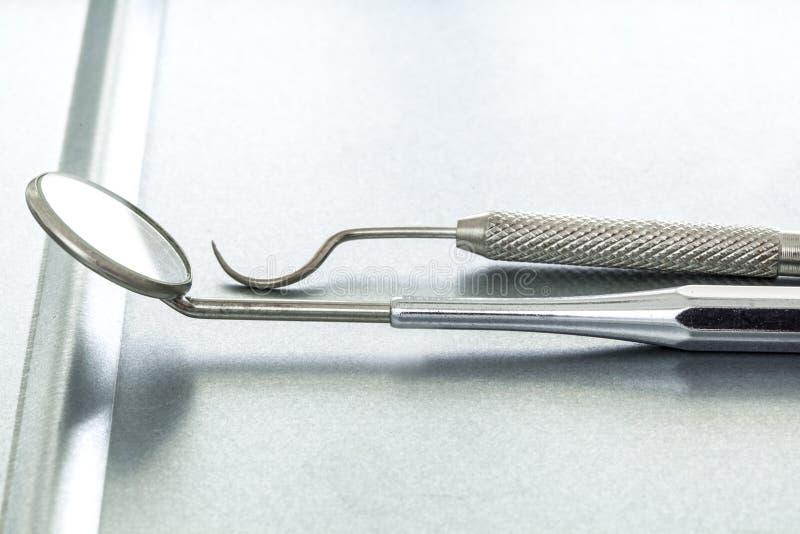 Ferramentas médicas do dentista imagens de stock