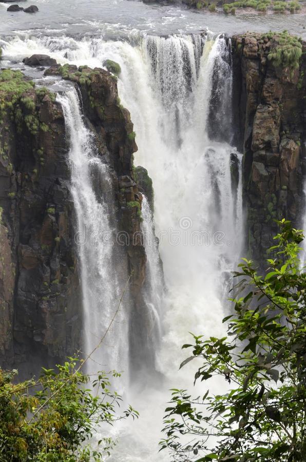 Ferramentas para a cachoeira Iguacuwalls fotografia de stock