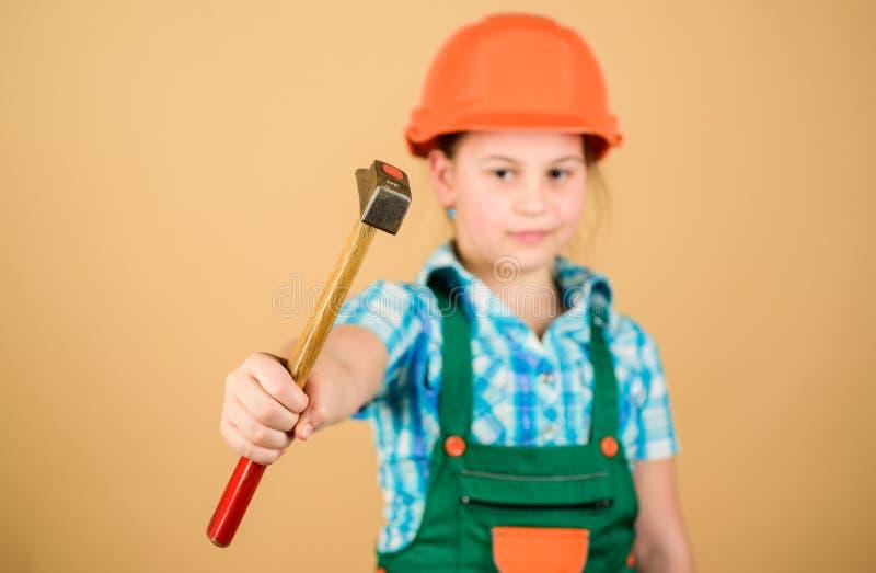 Ferramentas para melhorar-se Desenvolvimento da puericultura Profiss?o futura Arquiteto do coordenador do construtor Menina do co fotos de stock royalty free