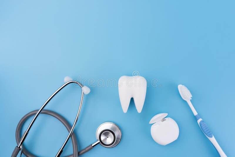ferramentas saudáveis do equipamento dental para os cuidados dentários De profissional fotos de stock