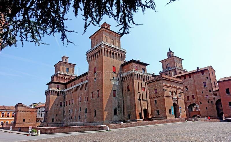 Ferrara, eine Ansicht des Stadt ` s Schlosses lizenzfreie stockfotografie