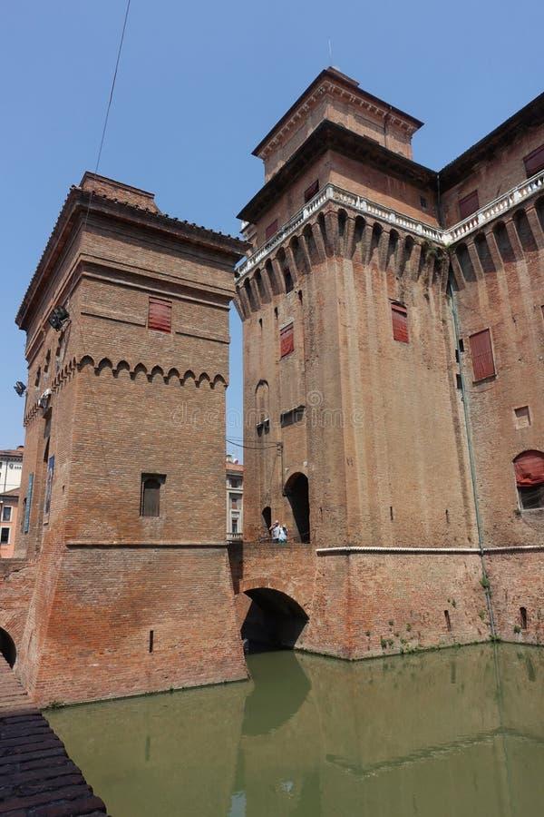 Ferrara, eine Ansicht des Stadt ` s Schlosses stockbilder