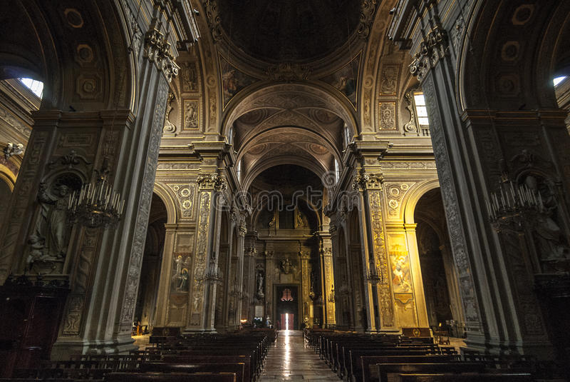 Ferrara - inre av domkyrkan royaltyfria foton